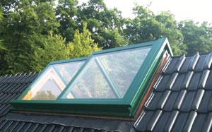 Henke Dachdeckerei und Zimmerei in Obernkirchen - DayLight Firstfenster
