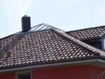 Henke Dachdeckerei und Zimmerei in Obernkirchen (Schaumburg-Lippe) - Dacheindeckung mit Tondachziegeln