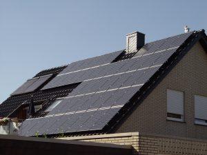 Henke Dachdeckerei | Zimmerei | Solartechnik - Photovoltaik – Anlage 8,77 kWp in Obernkirchen (Landkreis Schaumburg-Lippe)