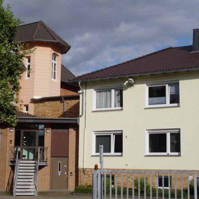 Henke Dachdecker - Dacheindeckung mit Tondachziegeln in Rinteln (Landkreis Schaumburg-Lippe)