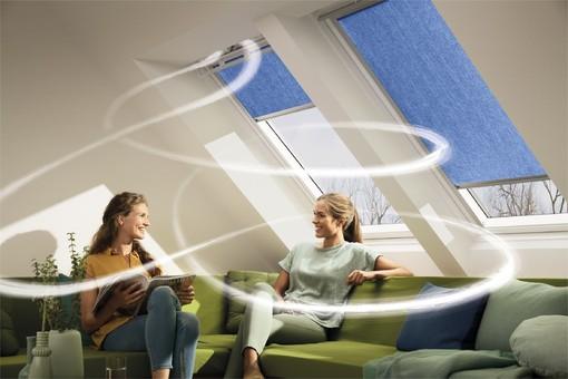 Henke Dachdecker für Hameln - Fensterlüfter von Velux sorgen für konstant frische Luft – ohne Zugerscheinungen oder unnötige Wärmeverluste