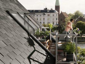 Henke Dachdecker und Zimmerei für das Auetal - Das Dach zum Himmel öffnen Alternativen zu klassischem Balkon, Loggia und Co. im Dachgeschoss mit VELUX