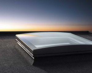 Henke Dachdecker für Stadthagen - Die Neuerfindung des VELUX Flachdach-Fensters Elegante Tageslichtlösung für flache und flachgeneigte Dächer verbindet die Ansprüche an Design und Funktion auf höchstem Niveau