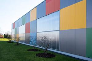 Henke Dachdecker für Herford - LAMILUX CI-System Lichtband W/R