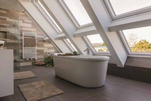 Henke Dachdecker für Bückeburg - Roto Dachfenster Quadro