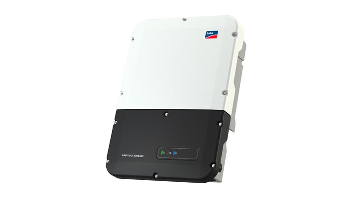 Henke Solartechnik für Rinteln - Speichersysteme einfach erweitern: Der neue SMA Sunny Boy Storage integriert bis zu drei Batterien.