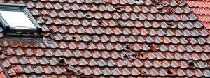 Henke Dachdecker für Stadthagen - Linzmeier - Mit der richtigen Dämmung bleibt das Haus nach Hagel trocken