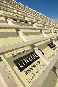 Henke Dachdecker für Stadthagen - LINITHERM ist formstabil und resistent gegen Feuchte - bei bleibend hohen Dämmwerten.