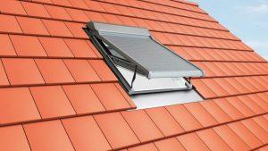 Henke Dachdecker für Rinteln - Roto Dachfenster Aussenrollladen RotoQ