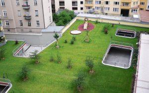 Henke Dachdeckerei | Zimmerei | Solartechnik für Stadthagen - Grünes Paradies versteckt Autos